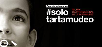 Imagen de la campaña de la Fundación TTM en la que se ve parte de la cara del hijo de Carlos y se lee: #solo tartamudeo
