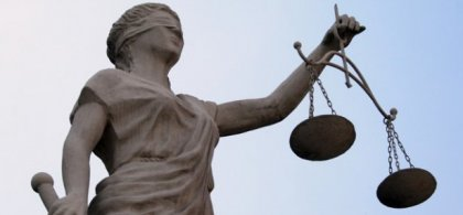 Estatua justicia ciega