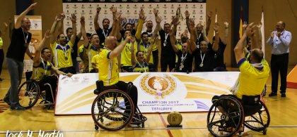 Foto del CD ILUNION tras ganar la Final Four de la Champions Cub en Tenerife