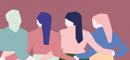 Dibujo a color en tonos pastel en el que se ve a cuatro mujeres de espaldas con las manos enlazadas por detrás. Las cuatro llevan pañuelo anudado a la cabeza que cuelga a mitad de la espalda