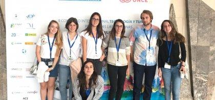 Grupo de estudiantes asistentes al congreso